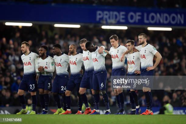 Tottenham Hotspur players look on during the penalty shootout during the Carabao Cup SemiFinal Second Leg match between Chelsea and Tottenham Hotspur...