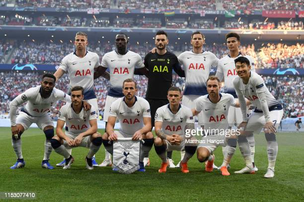 Tottenham Hotspur players pose for a team photograph prior to the UEFA Champions League Final between Tottenham Hotspur and Liverpool at Estadio...