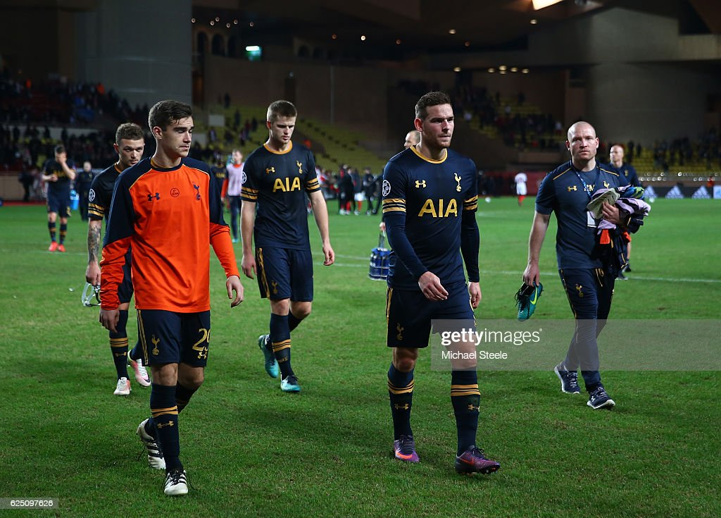 Tottenham Hotspur team look dejected after the UEFA Champions League Group E match between AS Monaco FC and Tottenham Hotspur FC at Louis II Stadium on November 22, 2016 in Monaco.