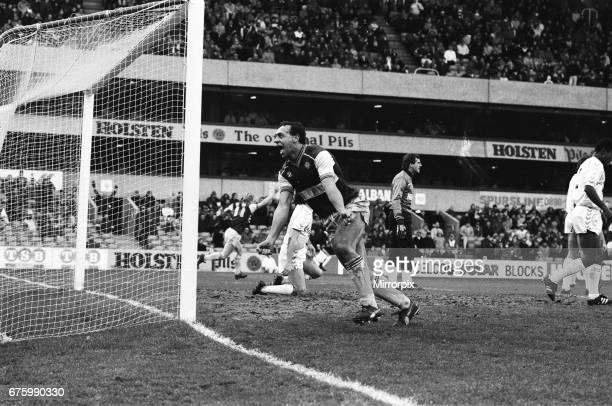 Tottenham Hotspur v Scunthorpe United FA Cup match at White Hart Lane January 1987. Final score: Spurs 3-2 Scunthorpe Ray Clemence.