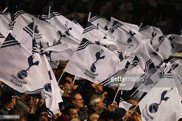 Tottenham Hotspur welcome their team prior to the UEFA Champions League playoff second leg match between Tottenham Hotspur and BSC Young Boys at...
