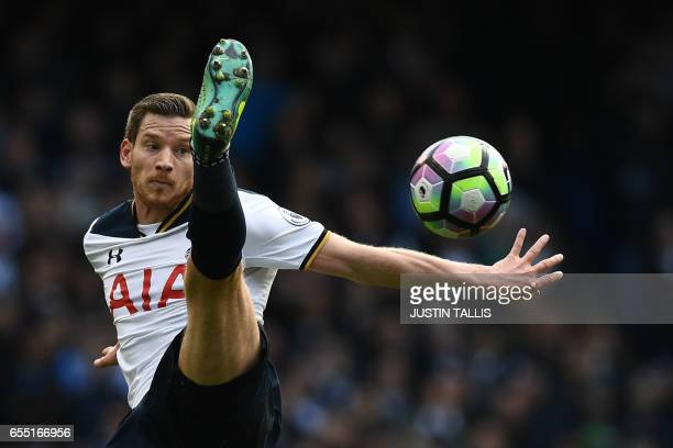 TOPSHOT Tottenham Hotspur's Belgian defender Jan Vertonghen controls the ball during the English Premier League football match between Tottenham...