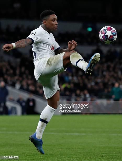 Tottenham Hotspur's Dutch midfielder Steven Bergwijn controls the ball during the UEFA Champions League round of 16 first Leg football match between...