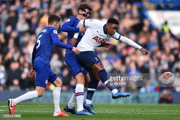 Tottenham Hotspur's Dutch midfielder Steven Bergwijn controls the ball during the English Premier League football match between Chelsea and Tottenham...