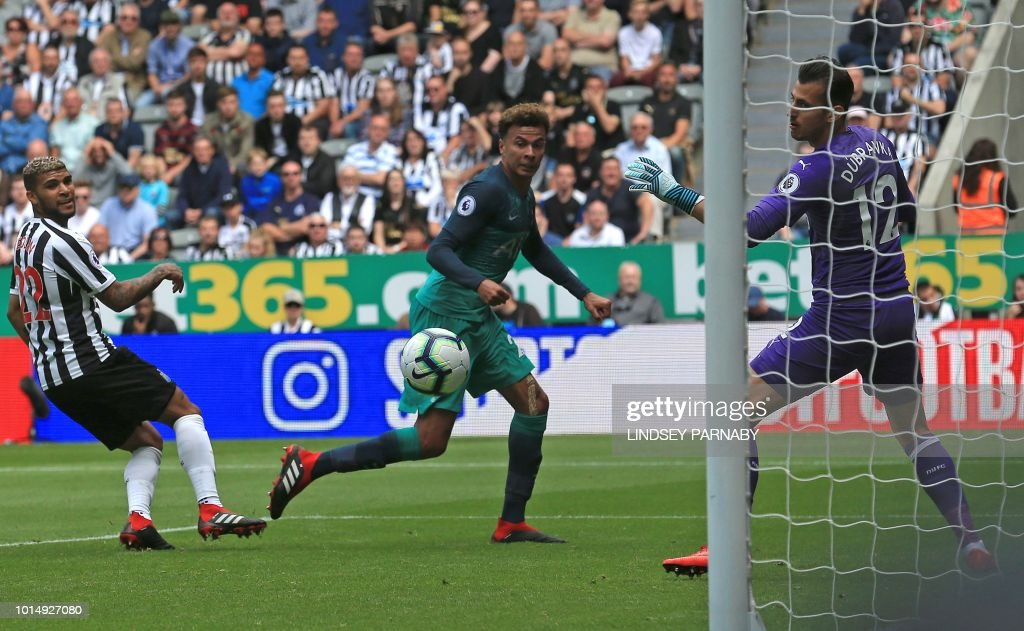 FBL-ENG-PR-NEWCASTLE-TOTTENHAM : News Photo