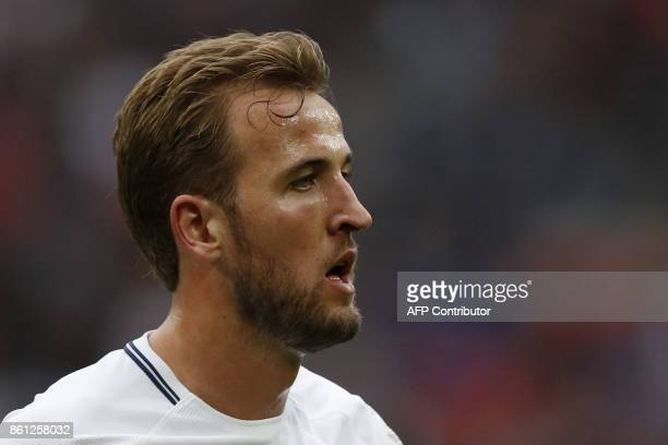Tottenham Hotspur's English striker Harry Kane gestures during the English Premier League football match between Tottenham Hotspur and Bournemouth at...