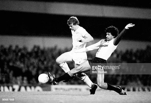 Tottenham Hotspur's Graham Roberts is tackled by Feyenoord's Ruud Gullit during the UEFA Cup 2nd round 1st leg match held at White Hart Lane, London...