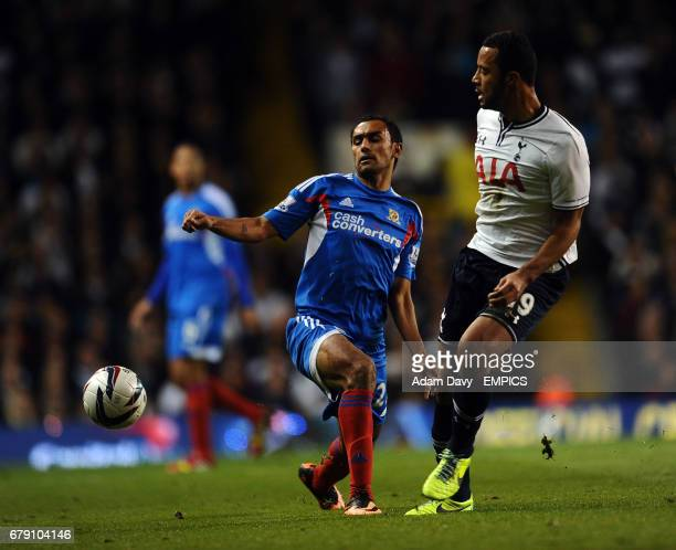 Tottenham Hotspur's Moussa Dembele and Hull City's Ahmed Elmohamady battle for the ball