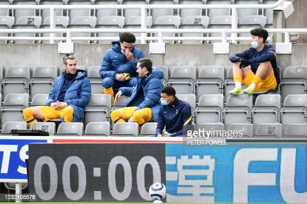 Tottenham Hotspur's Welsh midfielder Gareth Bale , Tottenham Hotspur's English midfielder Dele Alli , Tottenham Hotspur's English midfielder Harry...