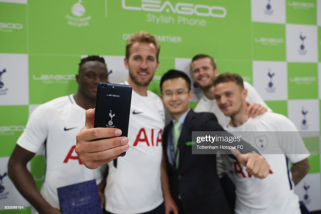 Tottenham players, Victor Wanyama, Harry Kane, Eric Dier and Kieran Trippier take a selfie with CEO Johnson Zhuang of Leagoo during the Tottenham Hotspur and LEAGOO Partnership Launch at Tottenham Hotspur Training Centre on August 17, 2017 in London, England.