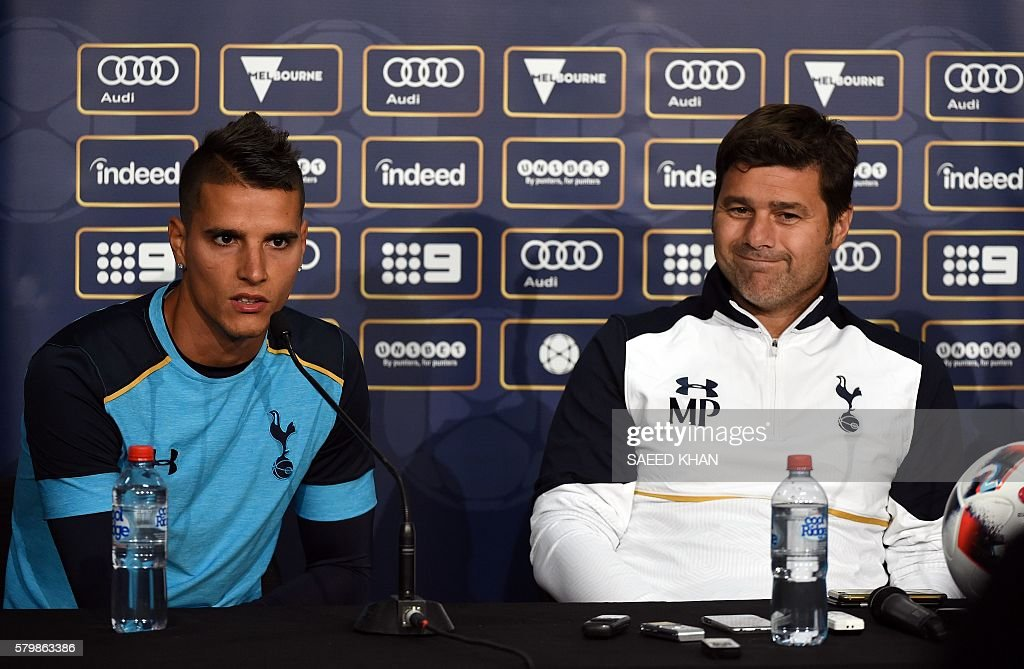FBL-ASIA-AUS-TOTTENHAM : News Photo