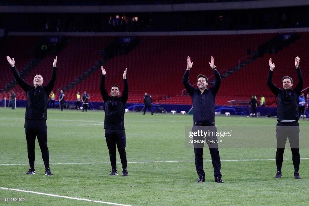 Tottenham S Argentine Coach Mauricio Pochettino And Staff Celebrate News Photo Getty Images