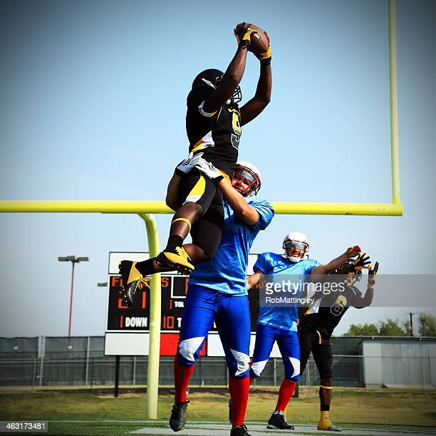 touchdown catch - wide receiver athlete stock pictures, royalty-free photos & images