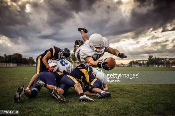 touchdown! - wide receiver athlete stock pictures, royalty-free photos & images