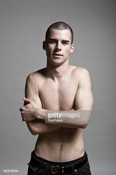 tough sin camisa joven - abrazo desnudos fotografías e imágenes de stock