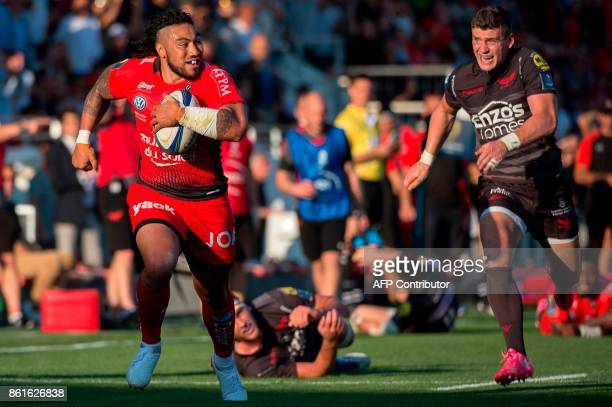 RC Toulon's New Zealander centre Maa Nonu runs with the ball during the European Champions Cup rugby union match between RC Toulon and Llanelli...