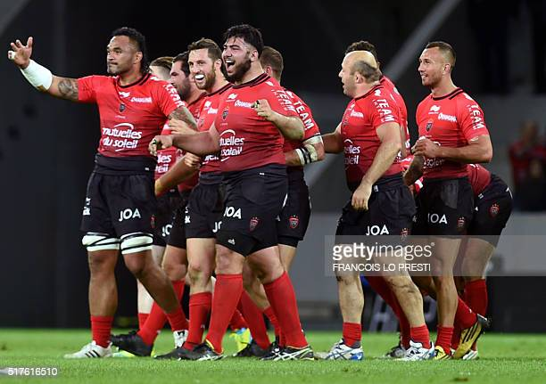 RC Toulon's players jubilate at the end of the French Top 14 rugby union match between RC Toulon and Racing 92 on March 26 2016 at the Pierre Mauroy...