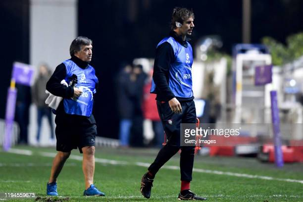 Toulon's South African lock Eben Etzebeth carries water during the European Rugby Challenge Cup Round 6 match between Toulon and Bayonne at Stade...