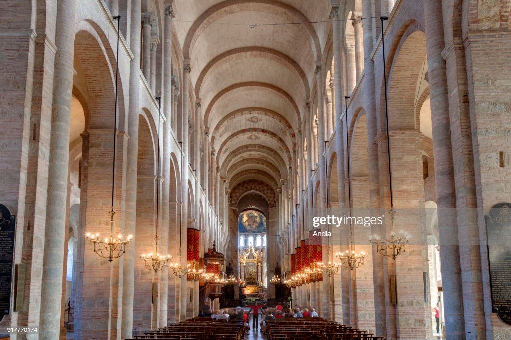Basilica of Saint-Sernin, registered as a UNESCO World Heritage Site under the description: World Heritage Sites of the Routes of Santiago de Compostela in France. Interior: the nave.