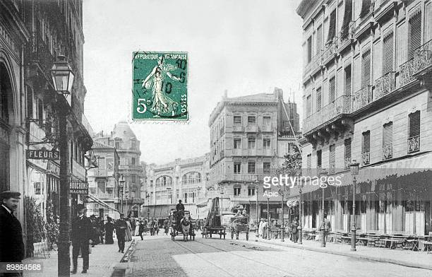 Toulouse Bayard street and Strasbourg boulevard with in the backgroung the Capitole and Compagnie Francaise stores postcard c 1910