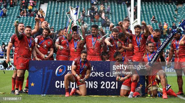 Toulouse celebrates their victory during the Heineken Champions Cup Final match between La Rochelle and Toulouse at Twickenham Stadium on May 22,...