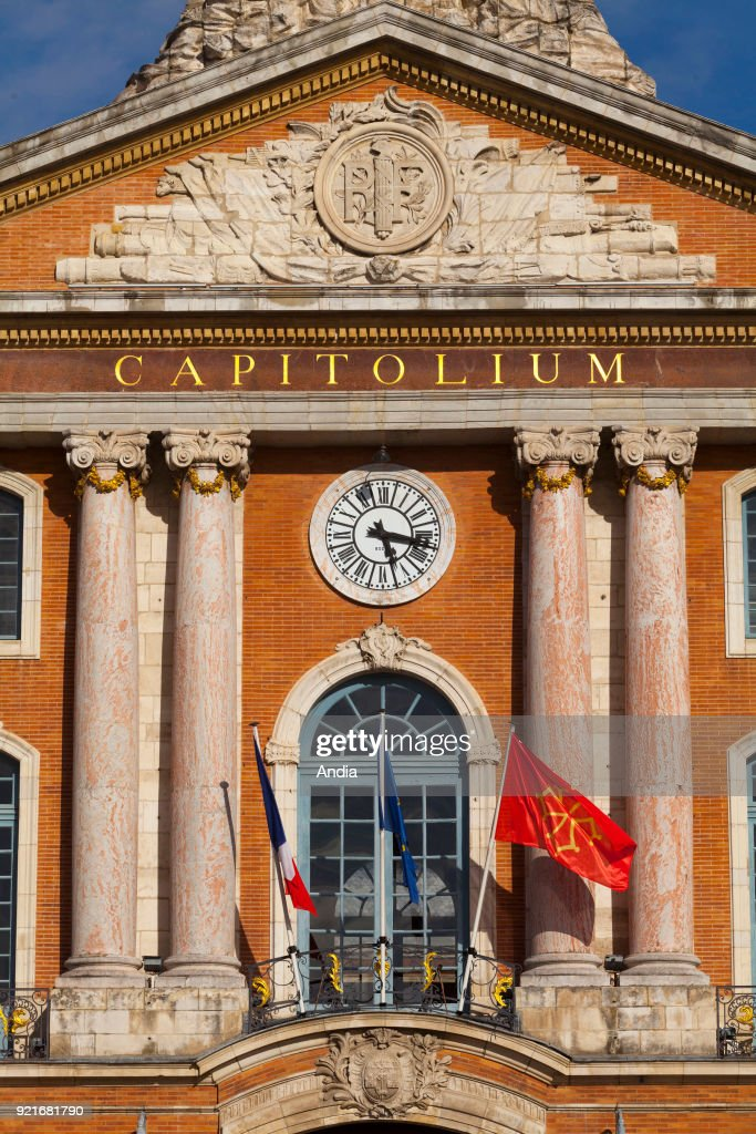 City Hall in 'place du Capitole' square. : News Photo