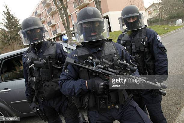 special unit of the Gendarmerie fighting against organised crime 'Peloton d'intervention interregional de la gendarmerie nationale ' formerly 'PI2G'...