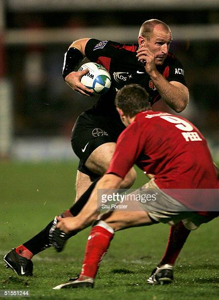 Toulouse winger Gareth Thomas runs with the ball during the Heineken European Cup Match between Llanelli and Toulouse at Stradey Park on October 22...