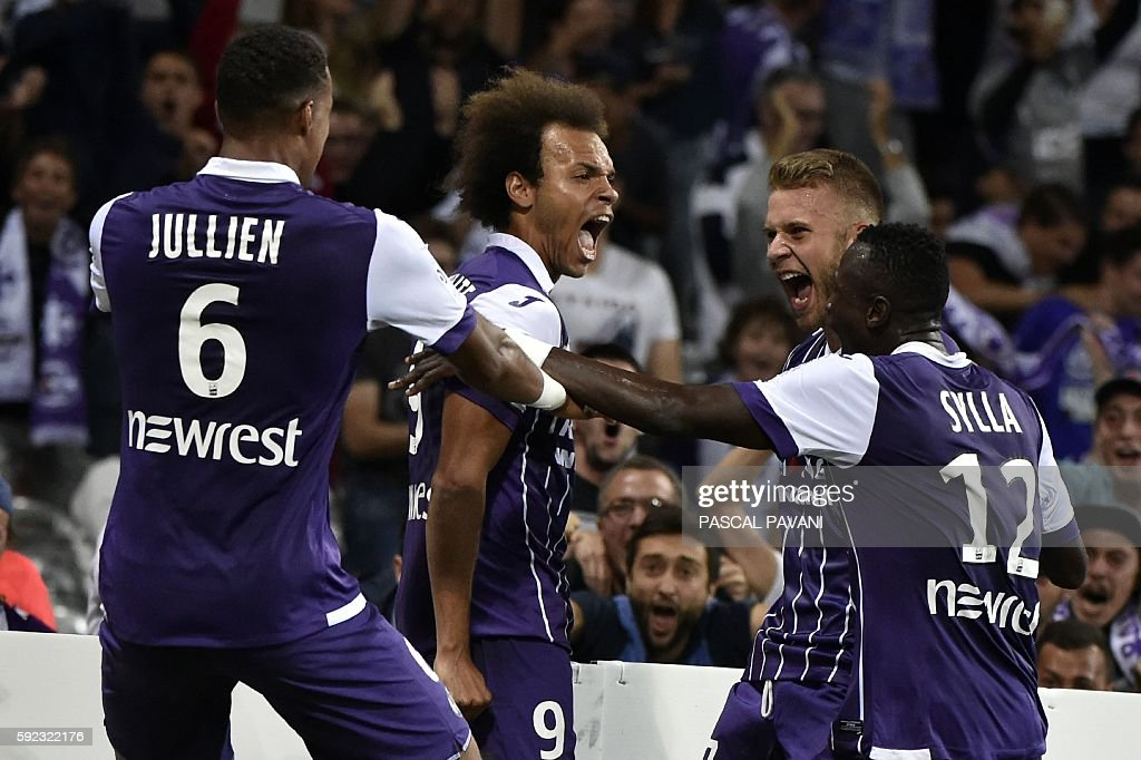 FBL-FRA-LIGUE1-TOULOUSE-BORDEAUX : News Photo