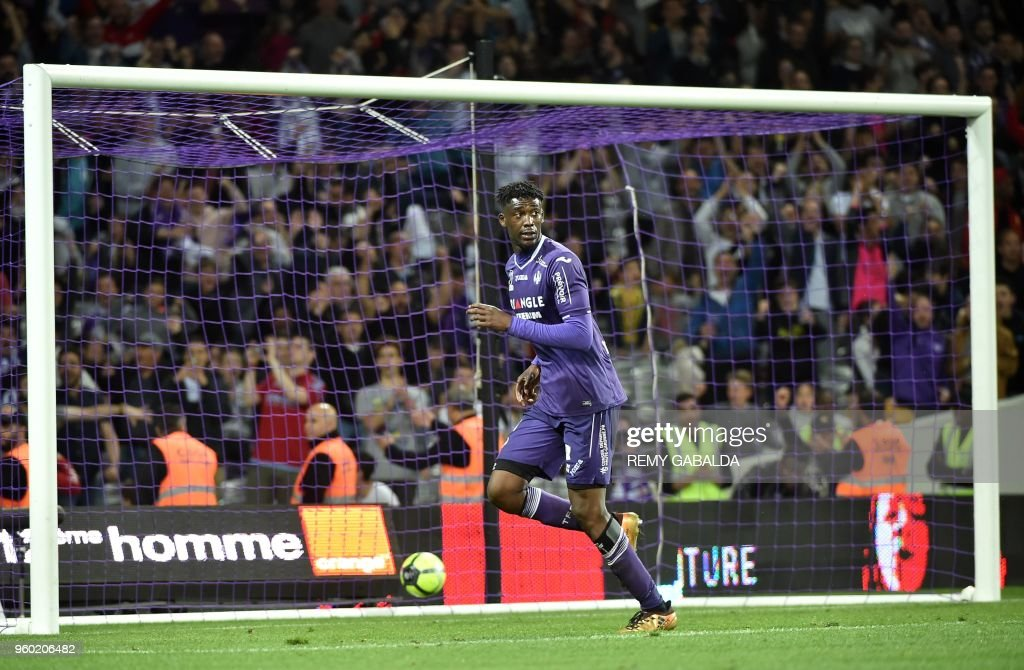 Toulouse's forward Yaya Sanogo celebrates after scoring his team's second goal during the French L1 match between Toulouse and Guingamp at The Municipal Stadium in Toulouse, southern France on May 19, 2018.