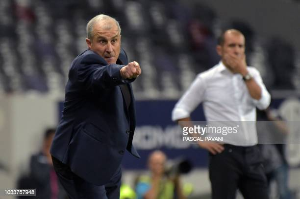 Toulouse's French coach Alain Casanova gestures on the sideline during the French L1 football match between Toulouse and Monaco on September 15 2018...