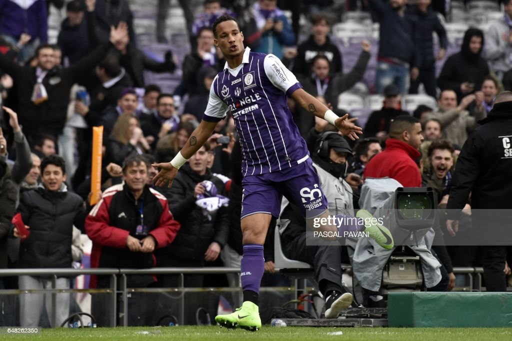 Toulouse's French defender Christopher Jullien reacts after scoring a goal during the French L1 football match Toulouse against Lille on March 05, 2017 at the Municipal Stadium in Toulouse, southern France. /