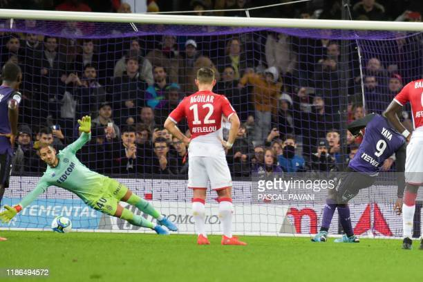 Toulouse's French forward Yaya Sanogo scores a penalty kick during the French L1 football match between Toulouse and Monaco on December 4 at the...