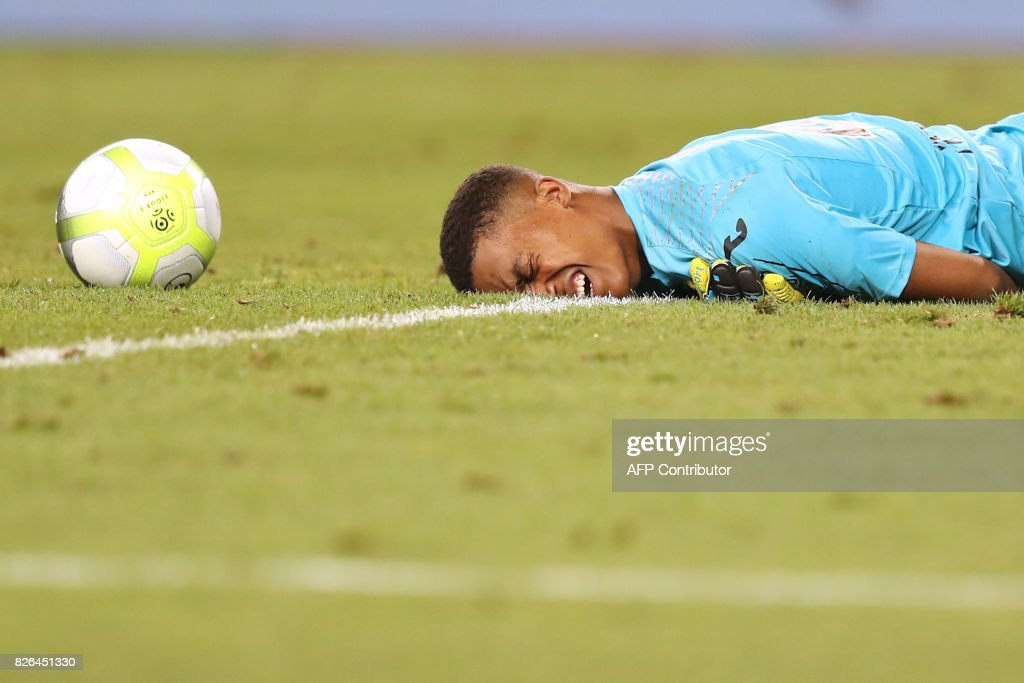 Toulouse's French goalkeeper Alban Lafont reacts during the French L1 football match between Monaco (ASM) and Toulouse (TFC) at Louis II Stadium in Monaco on August 4, 2017. /