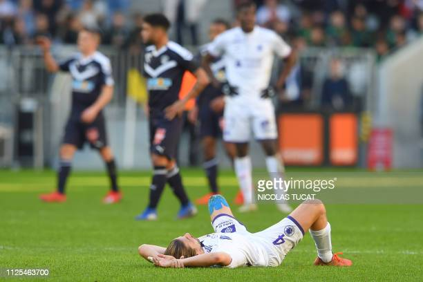 Toulouse's French midfielder Yannick Cahuzac reacts at the end of the French L1 football match between Bordeaux and Toulouse at the Matmut Atlantique...