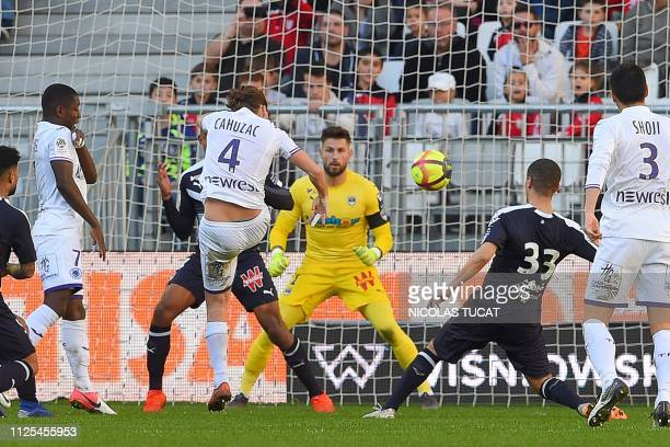 Toulouse's French midfielder Yannick Cahuzac scores a goal during the French L1 football match between Bordeaux and Toulouse at the Matmut Atlantique...