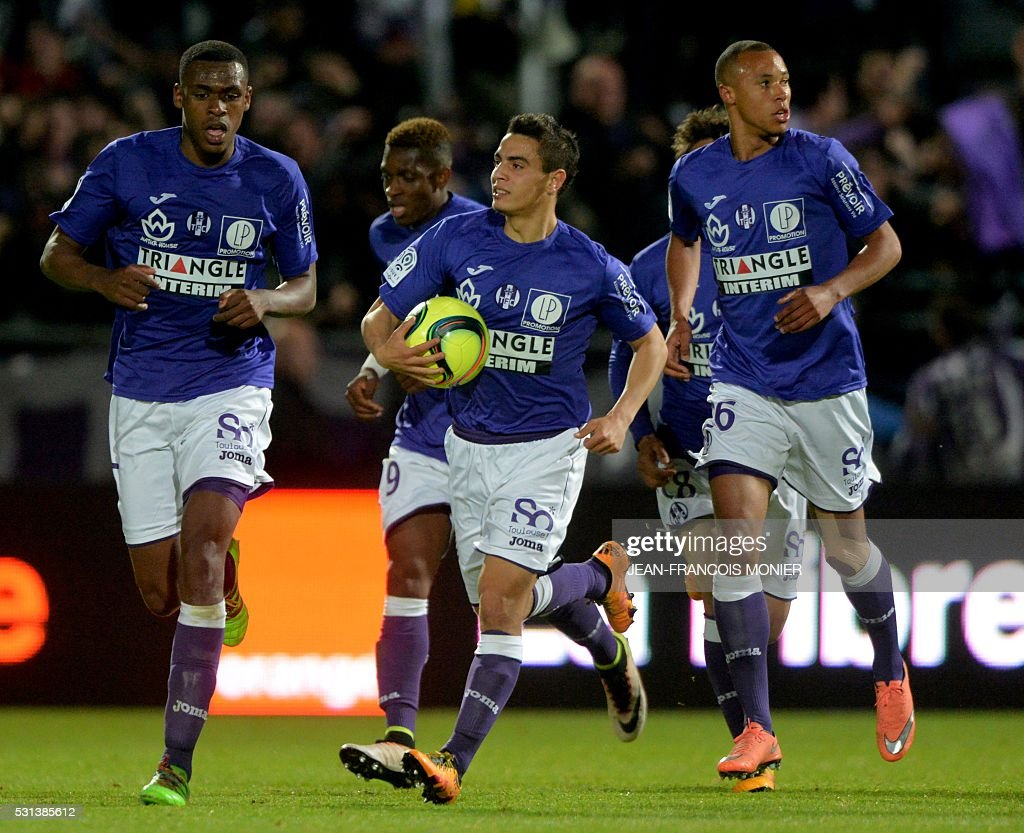 FBL-FRA-LIGUE1-ANGERS-TOULOUSE : News Photo