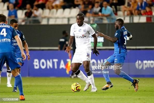 Tounkara Oumare of Chateauroux and Abou Demba Harouna of ...