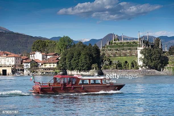 Tour boat, Lago Maggiore, Isole Borromee, Isola Bella, Borromean Islands