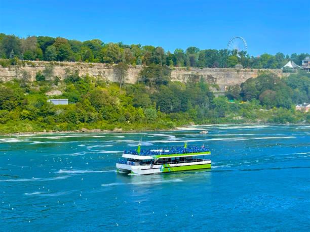 Tour boat on Niagara Gorge, Niagara Falls