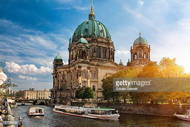 a tour boat on the spree river, berlin - berlin stock pictures, royalty-free photos & images