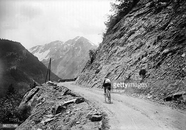 Tour de France 1912 Stage 'GrenobleNice' Racing cyclist isolated in a pass