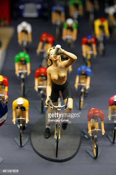 tour de france - women with large breast stock pictures, royalty-free photos & images
