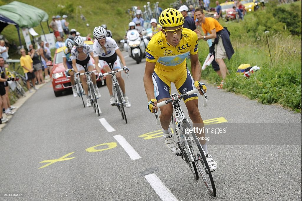 Tour de France, Stage 17 - Alberto Contador (SPA - Astana) attacking Frank and Andy Schleck (LUX - Saxo Bank) - and dropping teammate Andreas Klöden. © Frontzonesport