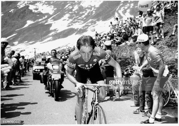 Stage winner Beat Breu climbing the Klausen pass