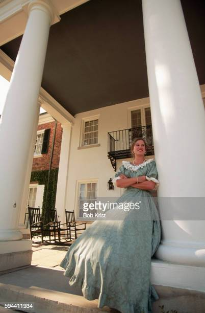 tour guide in period dress at boone hall plantation - boone hall plantation stock pictures, royalty-free photos & images