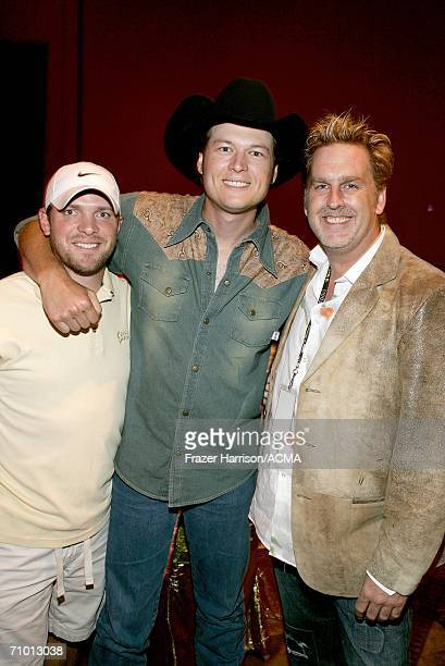 PRICING*** Tour manager Brian Pimmon musician Blake Shelton and Brian O'Connell backstage during the Academy Of Country Music New Artists' Show held...