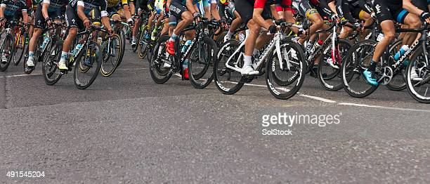 tour of britain - cycling event stock pictures, royalty-free photos & images