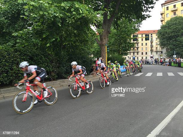 tour of italy enter to milan. giro d'italia 2015. - cycling event stock pictures, royalty-free photos & images