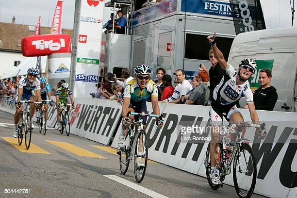 Tour of Switzerland Stage 4 Matti Breschel wins the stage in front of Maxim Iglinskiy © Frontzonesport